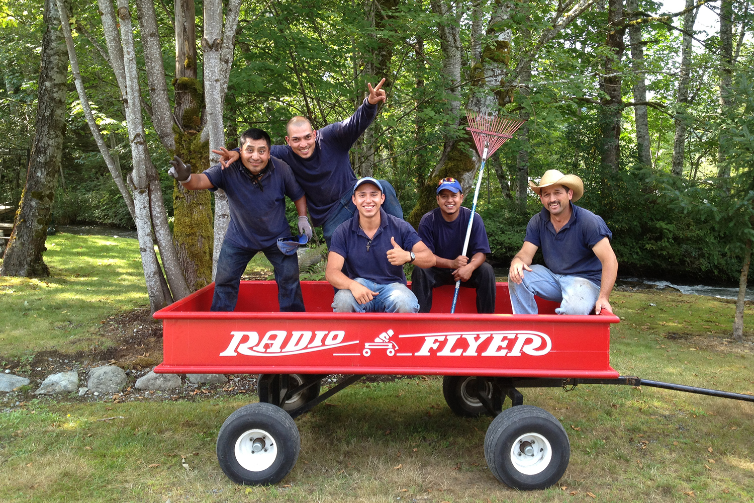 Persnickety in radio flyer